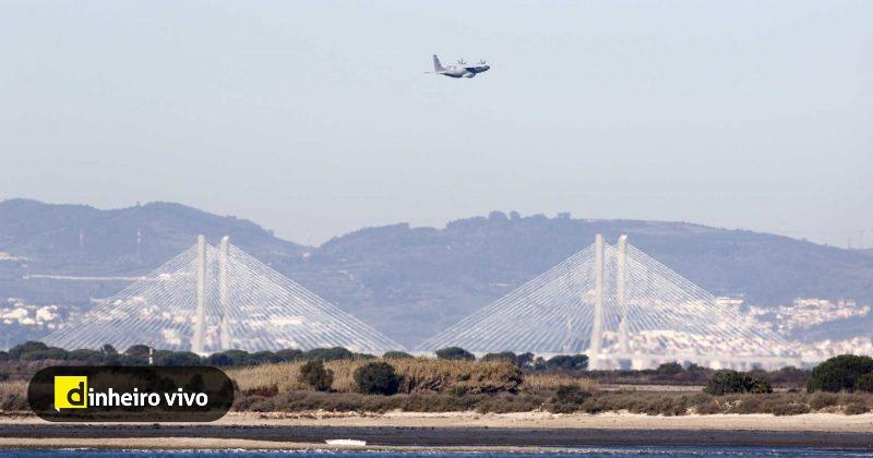 test Twitter Media - Governo quer mudar lei para aeroporto do Montijo. Câmaras criticam ministro https://t.co/57xoaUJUoC https://t.co/xNxguN5WGB