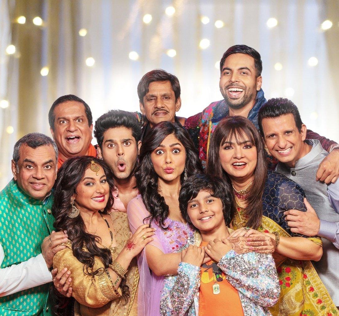 #Announcement @SonyPicsIndia & @umeshkshukla come together once again to entertain audiences with a hilarious family comedy #AankhMicholi. #Diwali2020 @mgr_studios @Abhimannyu_D @mrunal0801 @SirPareshRawal @TheSharmanJoshi @divyadutta25 @nowitsabhi @vivekkrishnani @aashishw17