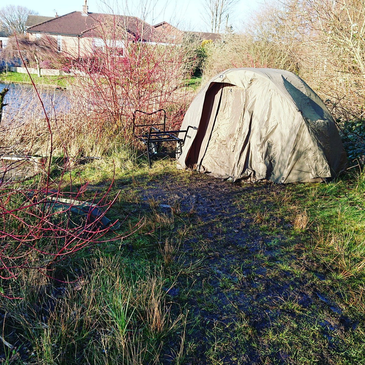 Bivvy life 🎣👍#carpfishing #Jrc #bivvylife https://t.co/wjuNMUpVpc