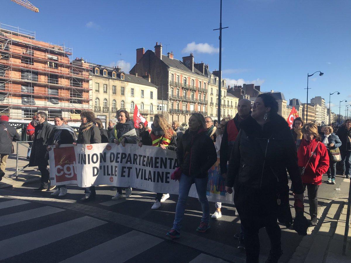 Nouvelle mobilisation contre la réforme des retraites à #Rennes. Le cortège est parti de l'esplanade Charles-de-Gaulle vers 12h. @bleuarmorique