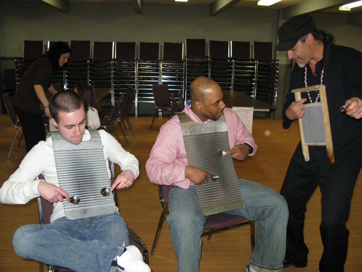 #tbt #throwbackThursday #Redezvousdelafrancophonie #2008 #fun #playingthewashboard #wehavefuntoo