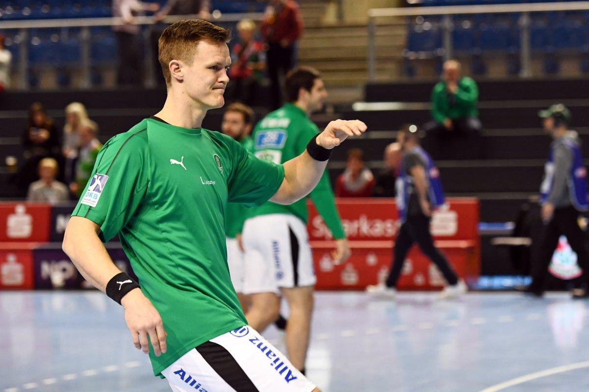 +++LIVE+++ Nach 9 Monaten Verletzungspause steht Niclas Pieczkowski endlich wieder auf der Platte!  Gleich beginnt das #DERBY @SCMagdeburg vs. SC DHfK Leipzig! #SCMDHfK https://t.co/fdN7Ssud2e