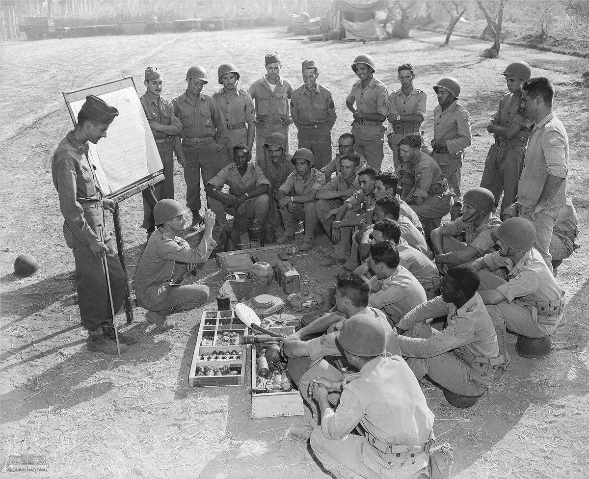 No dia 21 fev 1945, a Força Expedicionária Brasileira (FEB) conquistou a sua vitória mais significativa na Segunda Guerra Mundial, a tomada de #MonteCastelo Soldados da #FEB. Arquivo Nacional. EH_0_FOT_FEB_00082_005 #SegundaGuerraMundial #arquivosabertos #WW2 @feb_brasil