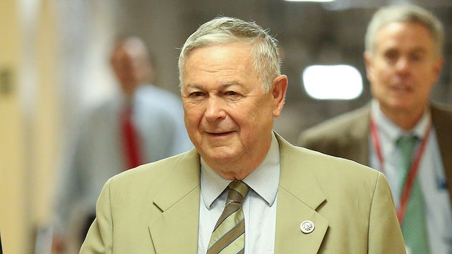 Rohrabacher tells Yahoo he discussed pardon with Assange for proof Russia didn't hack DNC email