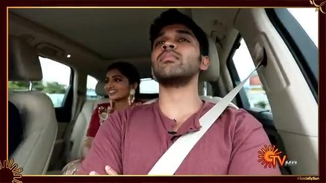 இப்படி சொல்லாம கொள்ளாம ரெகார்ட் பண்ணலாமா!  முழு வீடியோவும் நம்ம Youtube -ல மிஸ் பண்ணாம பாருங்க    #Throwback #SunTV #SociallySun #Vikram