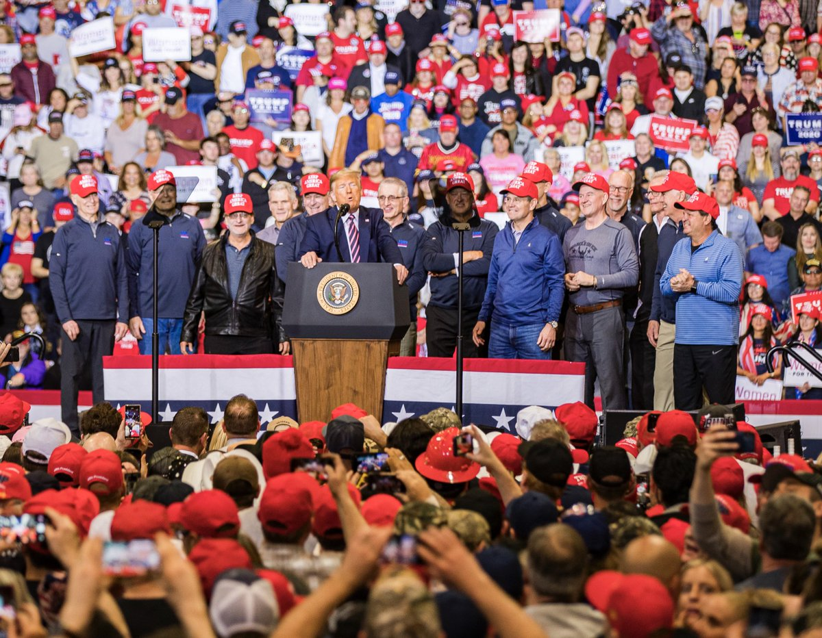🚨HAPPENING NOW🚨  A MASSIVE noon #TrumpRally in Las Vegas, Nevada with Great American Patriots who want to KEEP AMERICA GREAT! This MOVEMENT is unstoppable — which will be proven on Tuesday, November 3, 2020!  255 DAYS #TrumpTrain🚂🇺🇸🇺🇸   #TrumpPence2020 #KAG2020🇺🇸