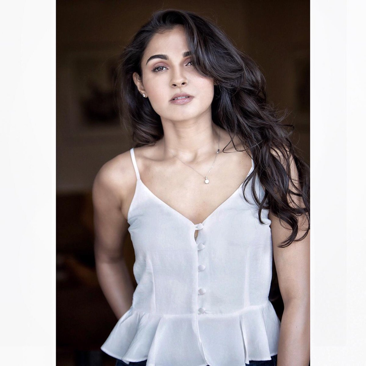 Actress #AndreaJeremiah looks stunning in these pictures from her recent photoshoot!   @andrea_jeremiah @proyuvraaj @UVCommunication