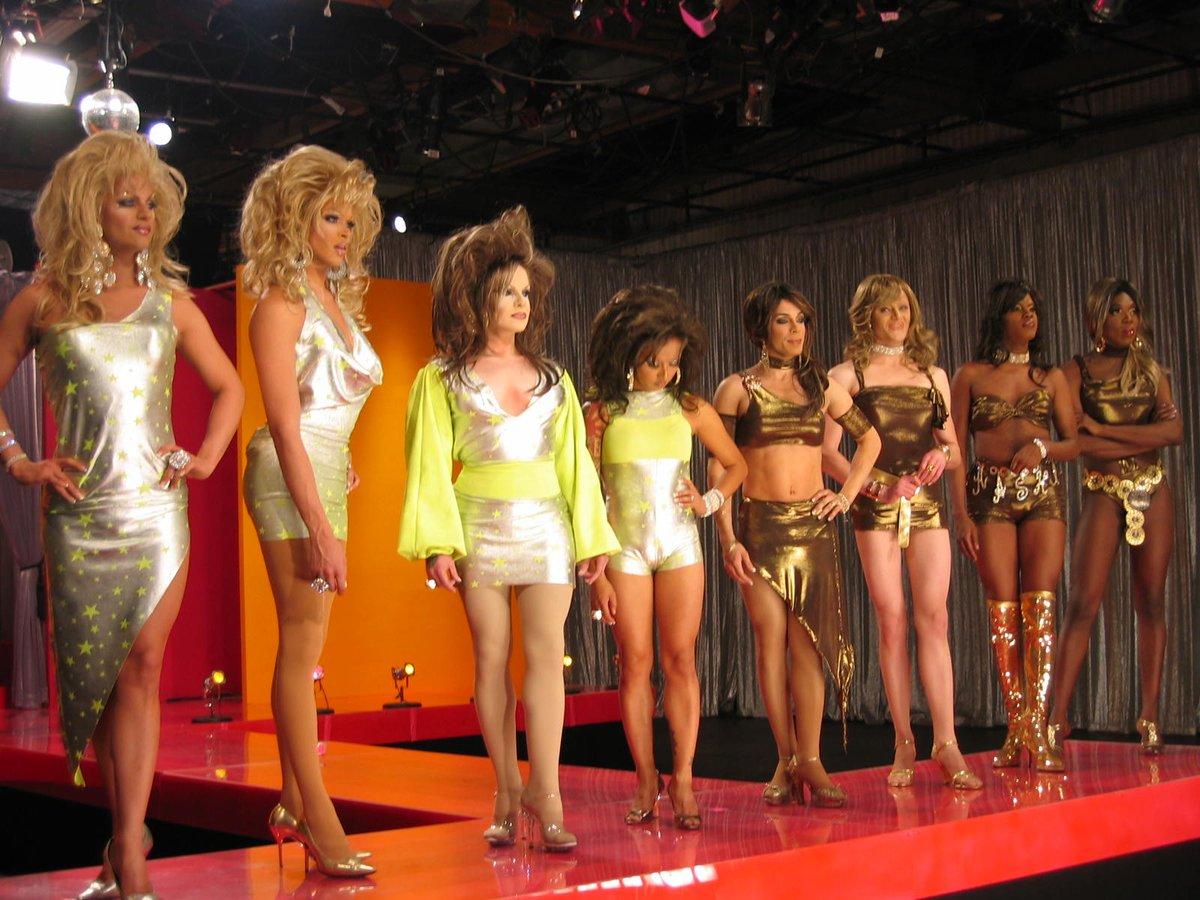 "Win $2,500 ""Cosplay for Your Life Contest"" Category Is: Season 1 Queens. #DragConLA @rupaulsdragcon TIX:"