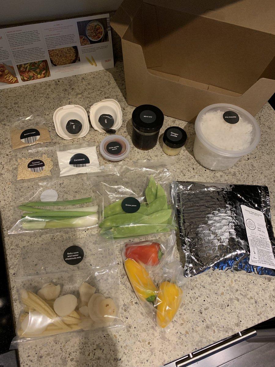 test ツイッターメディア - アメリカ版オイシックス『Amazon meal kits』  必要な食材が必要な分だけ入っていて、なんか良さげ。  こりゃ期待も高まる!  とワクワクしながら作ったら、あれ…  まあ盛り付けも下手だし、写真もテキトーなのですが、味もなんだか…という感じ。  やっぱ日本のオイシックスってすごいんだなあ。 https://t.co/BqGDNJBZQJ