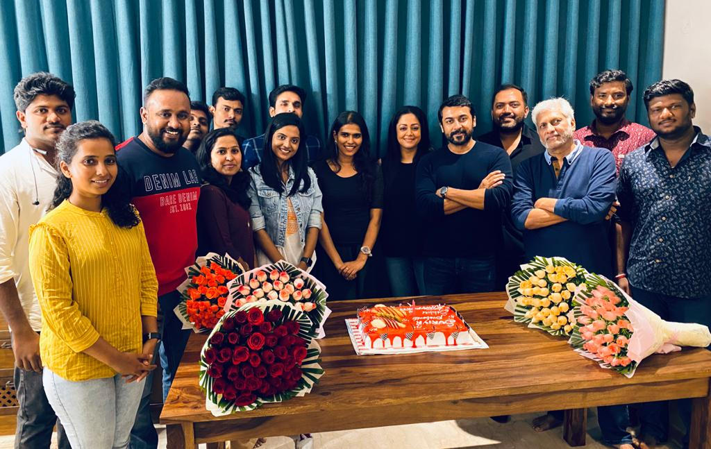 .@Suriya_offl& #Jyotika celebrated the 50 days of #Sillukarupatti  with the cast and crew! @2D_ENTPVTLTD & @SakthiFilmFctry's brand value too helped the film big time  @rajsekarpandian  @sakthivelan_b @halithashameem @VenkateshDivine