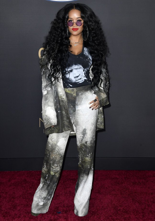 H.E.R at the 2020 #NAACPImageAwards 🖤