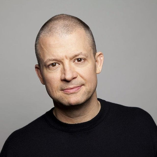 There are some tickets available for @JimNorton at 10:30 tonight! Go to  to reserve. #SideSplitters