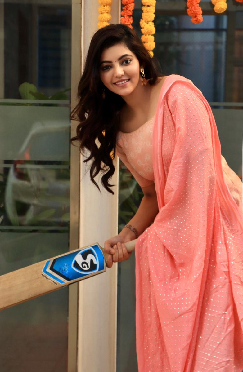 #AthulyaRavi trying for #CSK   @AthulyaOfficial @teamaimpr