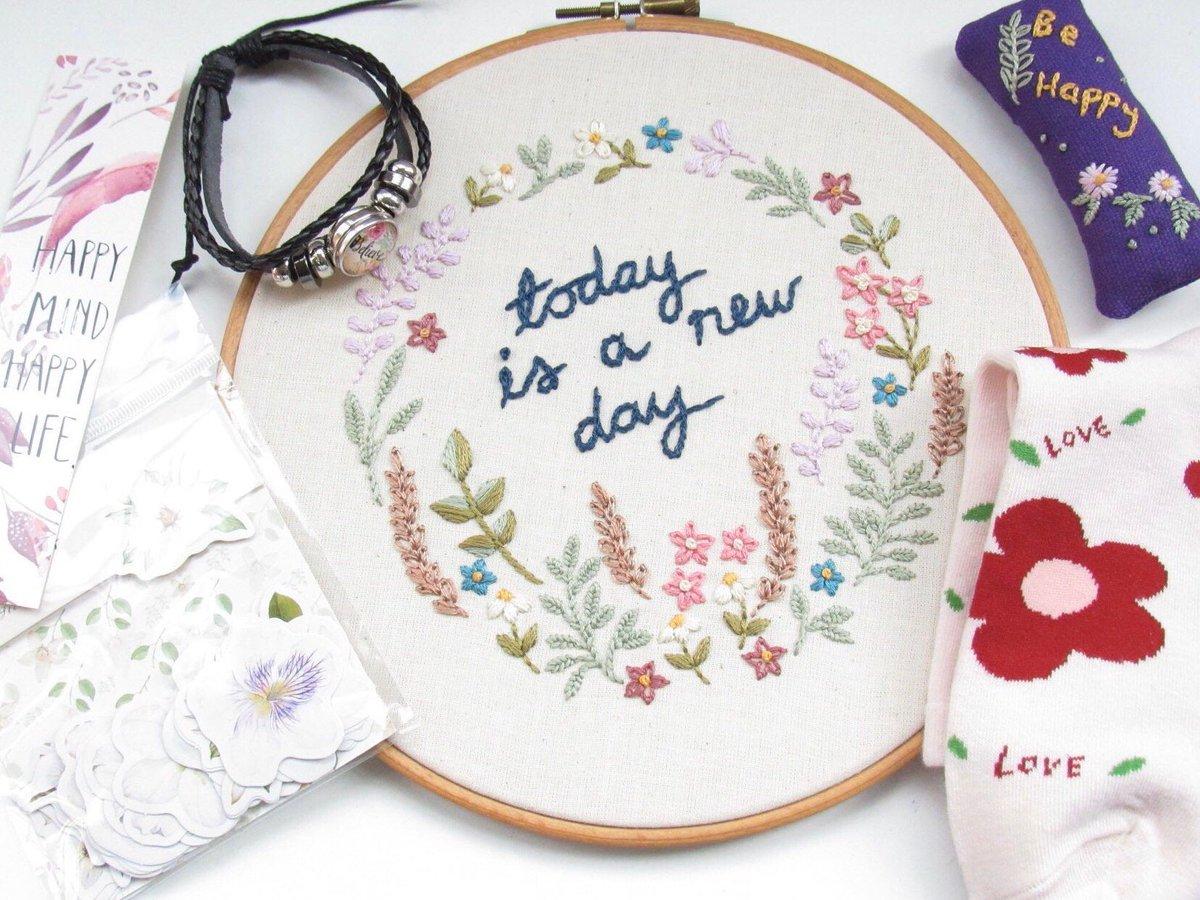Motivational Lil box of Love Hamper Gift Idea   #UKGiftAM #HandmadeHour #craftychaching #QueenOf #floral #PositiveVibes #MotivationalQuotes #rtmebb #SmallBiz #UKHashtags #ukcraft