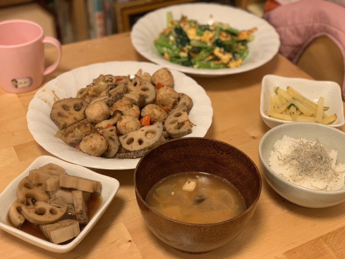 test ツイッターメディア - 本日の夕食。(器の置き方とか逆ですが気にしないで下さい、、、)  初めてママがオイシックスのお試しセットを取り寄せ、指定されたレシピでそのまま作ってみました。お世辞抜きでとても美味しくて驚きました あまりお料理が苦手なママもお料理が楽しいととても喜んでいました。つづく #品川区 #お試し https://t.co/JojbzD2srO