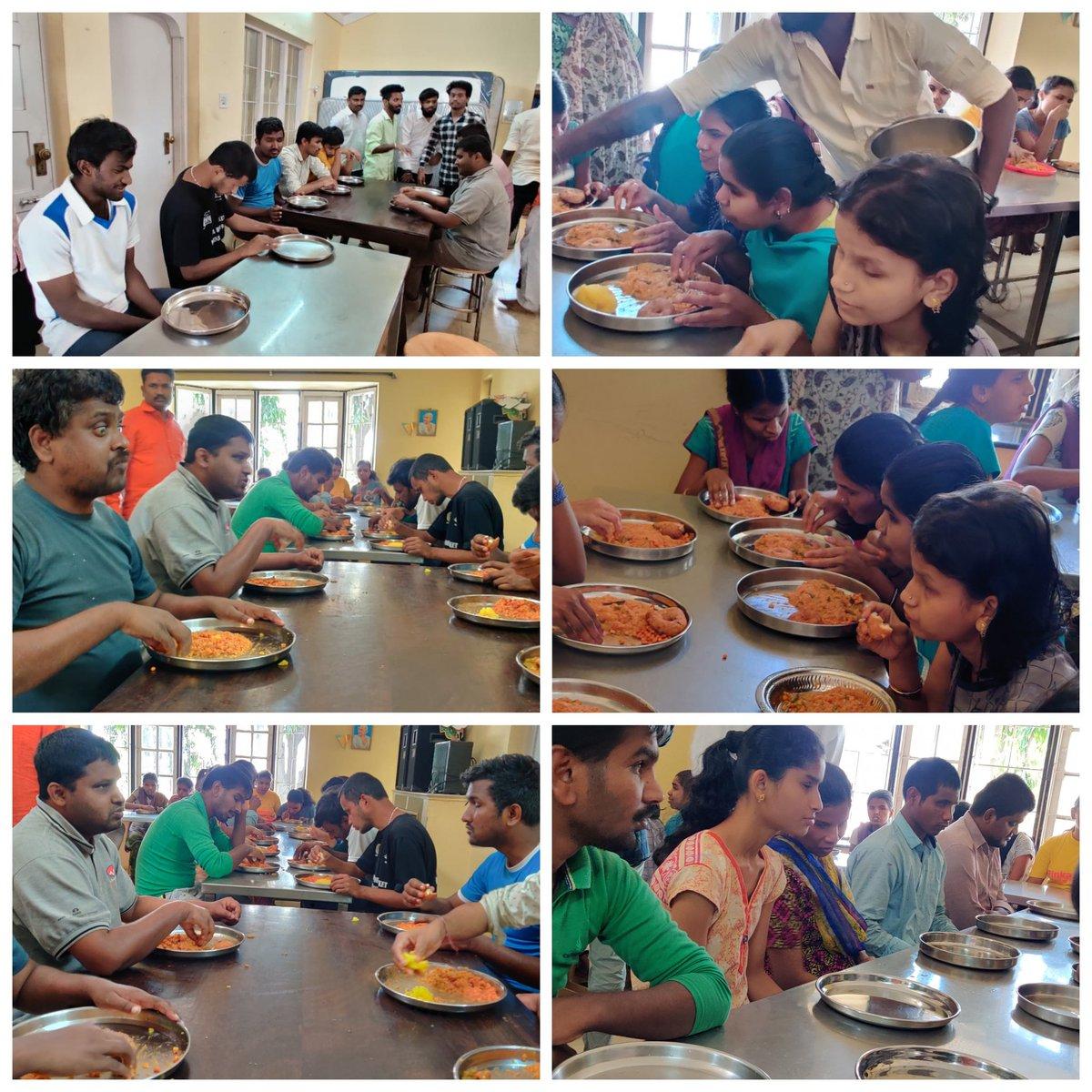 On Occasion Of #BTP Dr.Vijay Makkal Iyakkam 1st Year Anniversary Of Our Bangalore Tamil Pasanga Dr.Vijay Makkal Iyyakkam ® 38972 Has Provided Foods & Sweets In Blind Ashram.. ❤  @actorvijay | @Jagadishbliss | @BussyAnand   #Master #BTPVMI1stYearAnniversary #KuttiStory