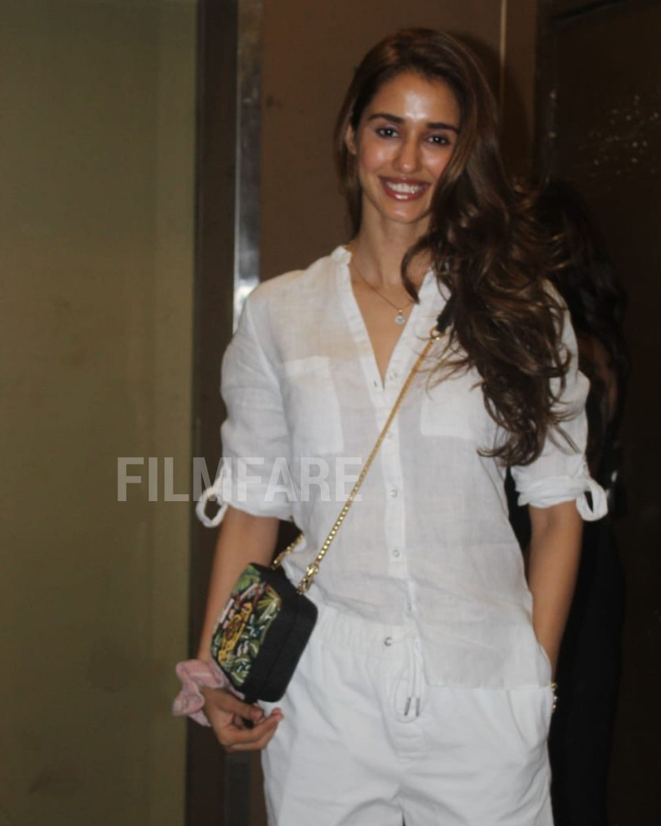 #DishaPatani heads out to catch a movie this Sunday.