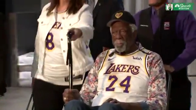 Bill Russell wearing purple and gold in honor of Kobe Bryant 🍀