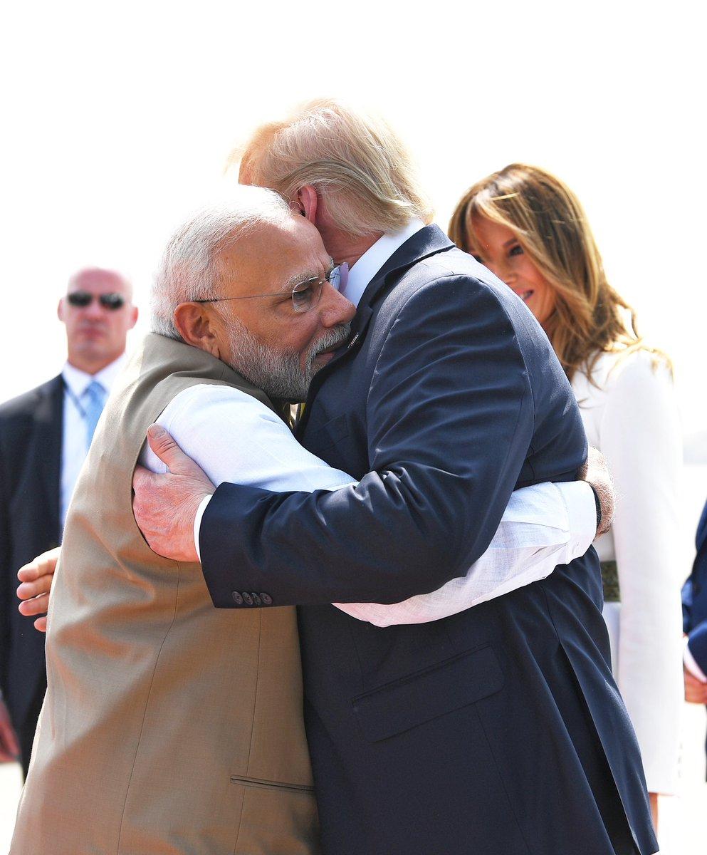 Welcome to India @realDonaldTrump https://t.co/EOweSVwnXG