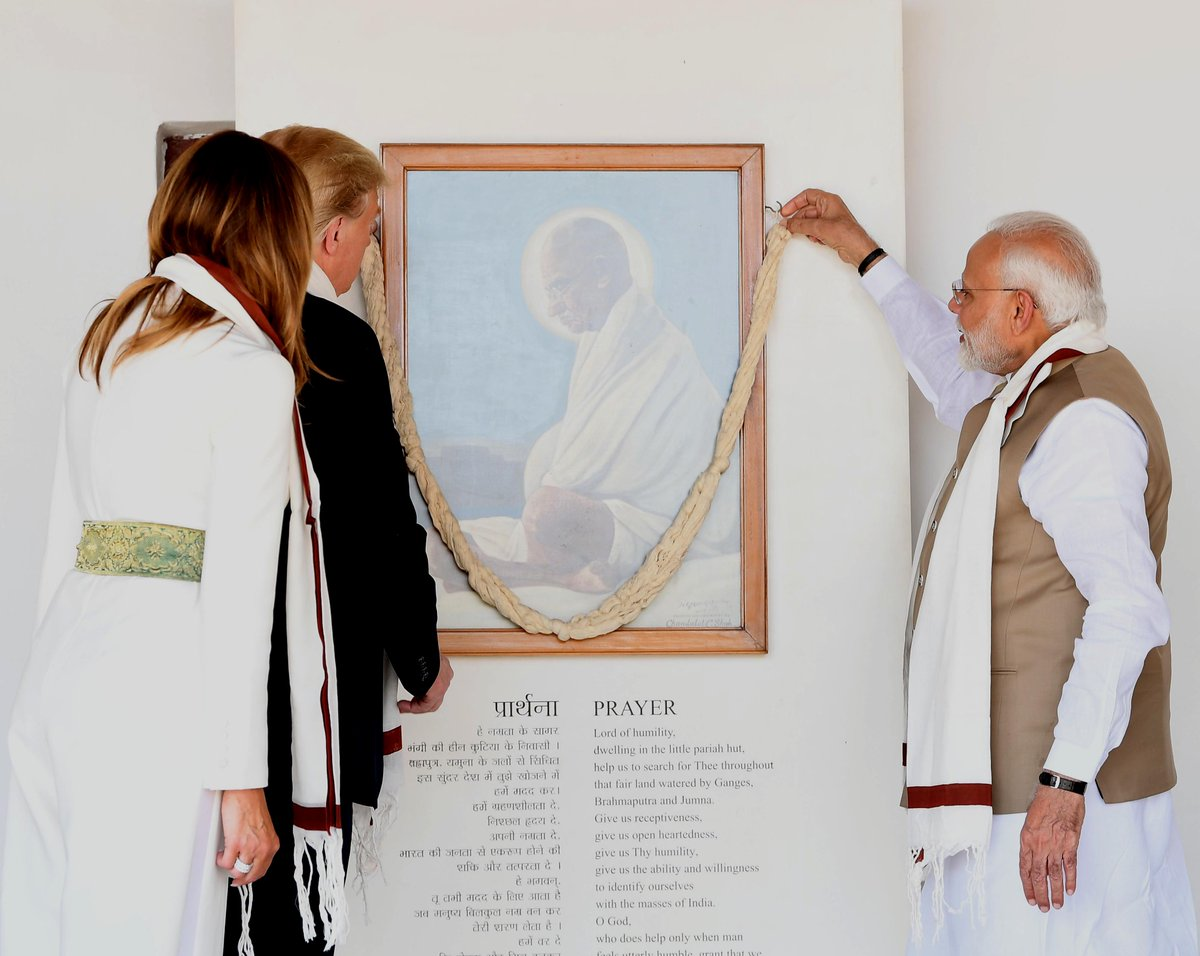 Upon landing in Ahmedabad, @POTUS @realDonaldTrump and @FLOTUS @MELANIATRUMP went to Sabarmati Ashram.   The path and ideals of Mahatma Gandhi are not only globally popular but also very relevant in today's times. https://t.co/FyH1sOrhrn