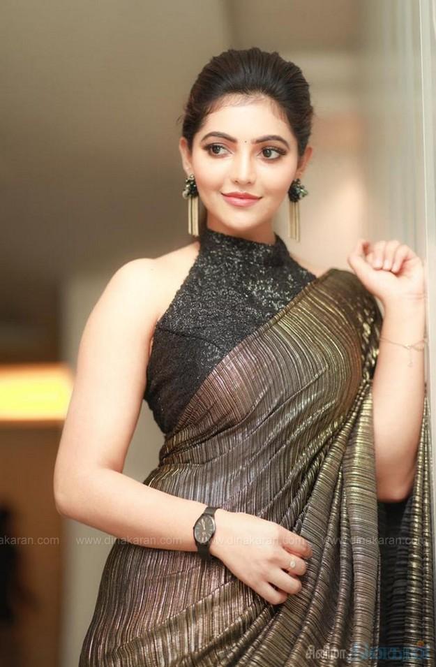 #AthulyaRavi #Athulya @AthulyaOfficial @teamaimpr நடிகை அதுல்யா ரவியின் கலக்கல் புகைப்படங்கள்....
