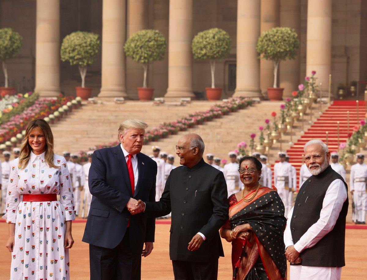 President Ram Nath Kovind and Prime Minister @narendramodi welcomed @POTUS Donald J. Trump and @FLOTUS Melania Trump for a grand ceremonial welcome at @rashtrapatibhvn this morning. #USIndia🇺🇸🇮🇳