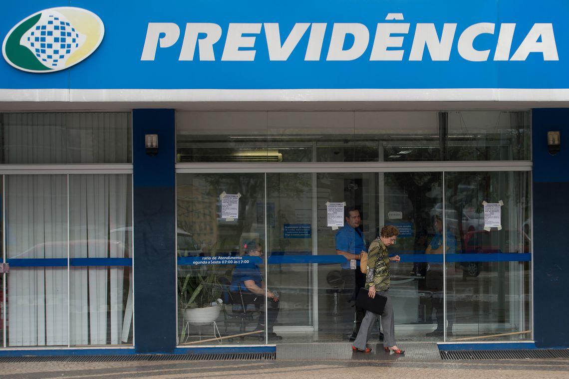 Alíquotas progressivas inseridas pela Nova Previdência entram em vigor em março, informa @MinEconomia. Valerão para contribuintes empregados, inclusive os domésticos,e para trabalhadores avulsos;não haverá mudança para autônomos, destaca    📷Agência Brasil
