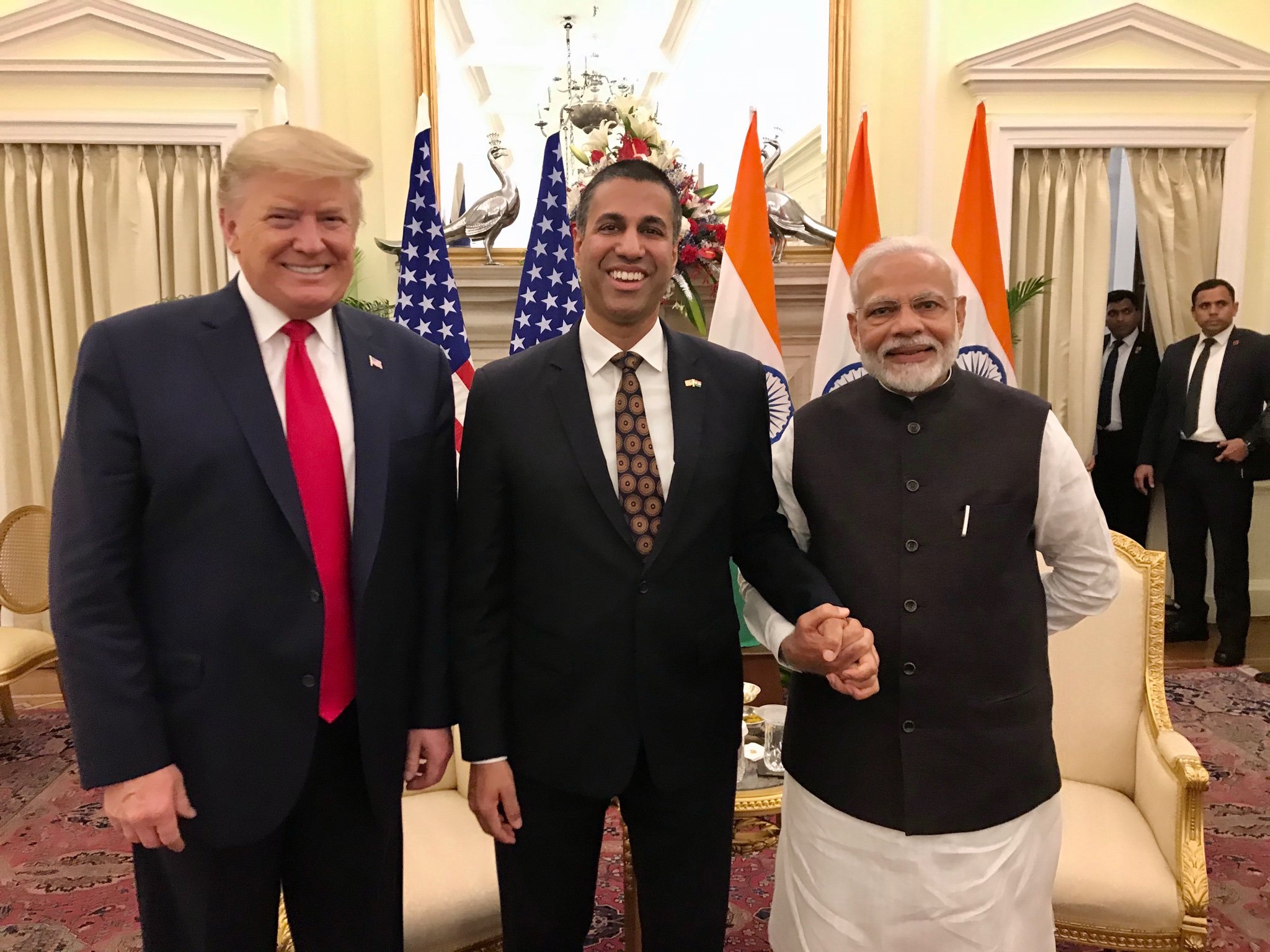 An honor to meet with @POTUS and Prime Minister @narendramodi today during bilateral United States-India meetings! Among other things, the discussion focused on how we can work together to advance #5G's potential to deliver connectivity, promote innovation, and create jobs. 🇺🇸🇮🇳 https://t.co/UqrrwRhcba