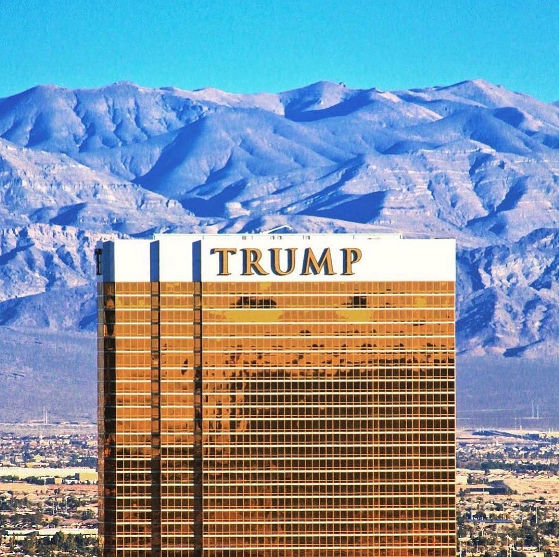Las Vegas: Where the glow of the city's architecture rivals that of Mother Nature's skyline @TrumpLasVegas
