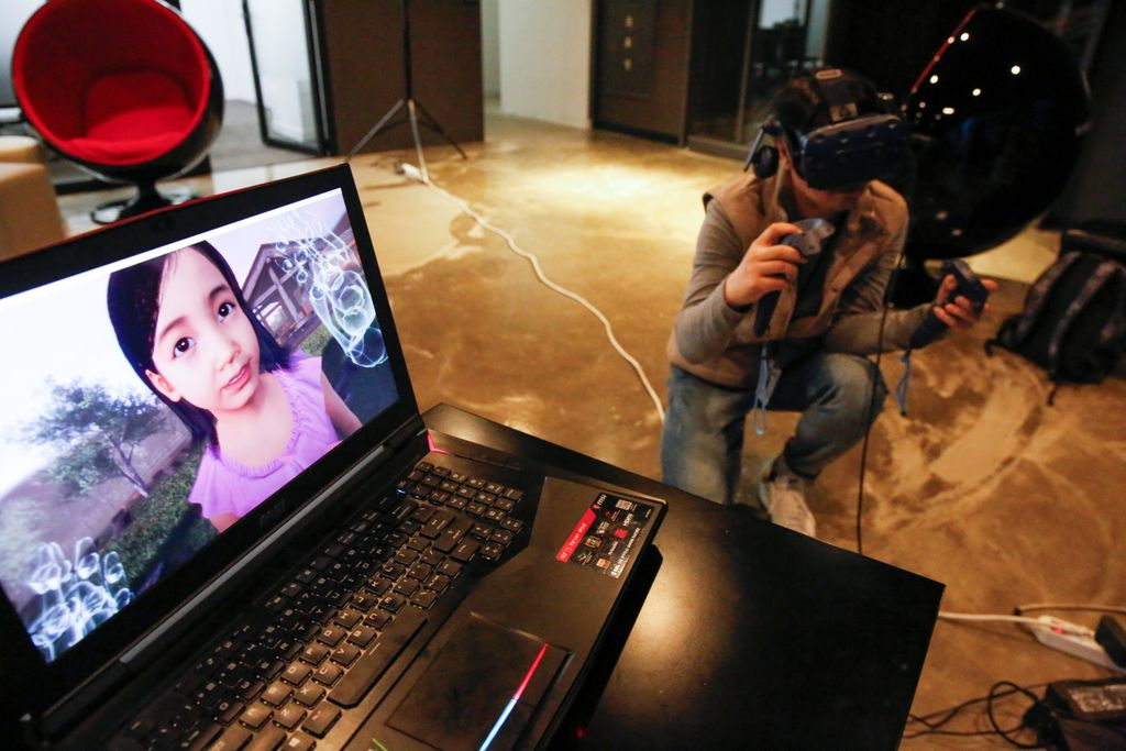 Virtual Reality 'reunites' a mother and deceased daughter  #technology #virtualreality