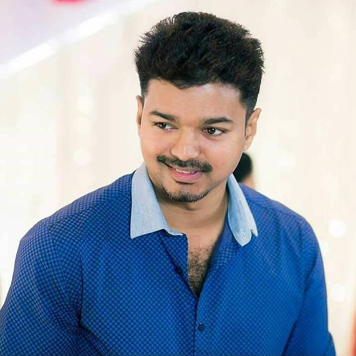 Happy Birthday Nanba @itisMadhan_ 💐💐 Have A Great Year Ahead 😍 #SpreadVIJAYism