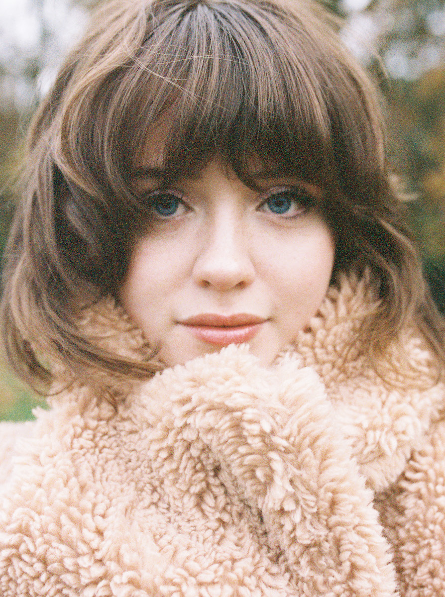 Telling Stories: A glimpse behind the dreamy naivety of Maisie Peters...