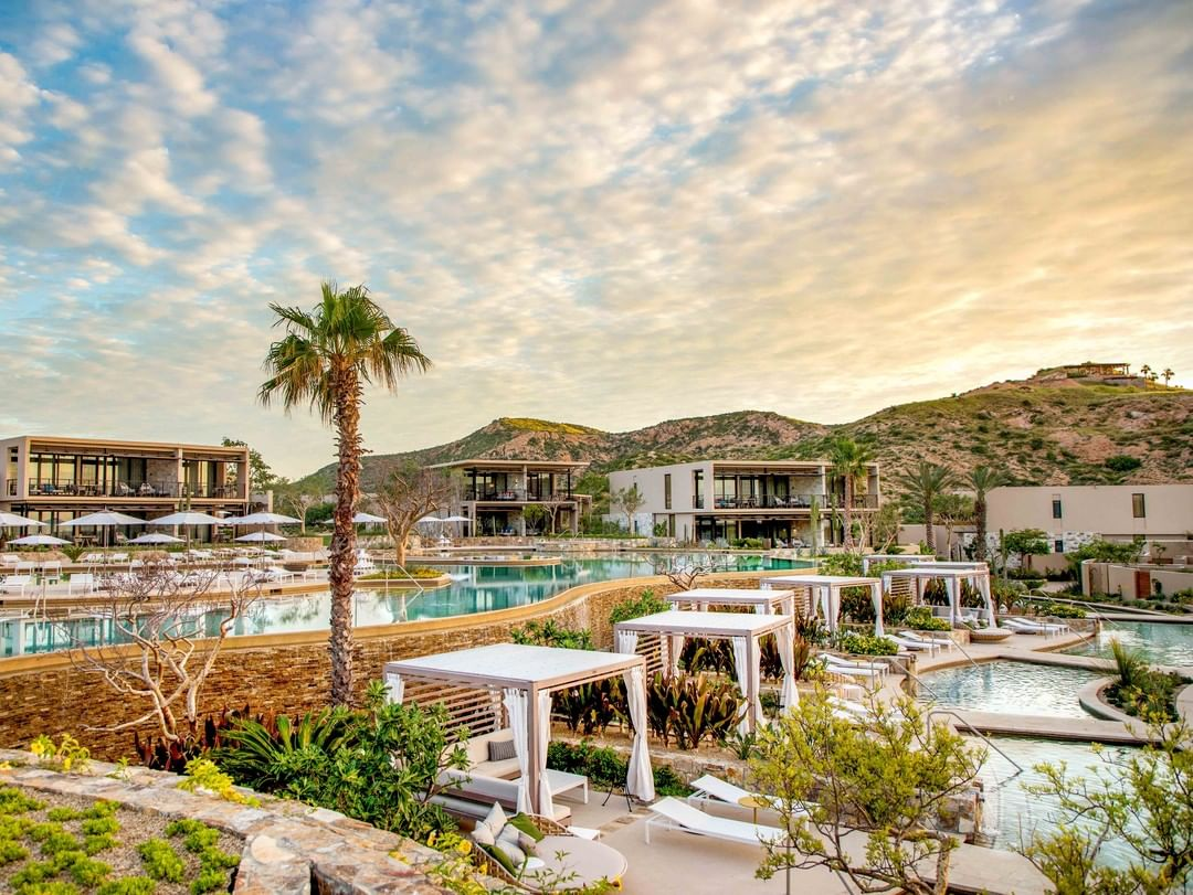 """@ForbesInspector awards @MontageLosCabos with the honor of """"Best Hotel Instagram Account."""" Scroll through Montage's beautifully curated feed & images of the cactus-dotted desert landscape, bright blue water and the grounds that seamlessly blend into both"""
