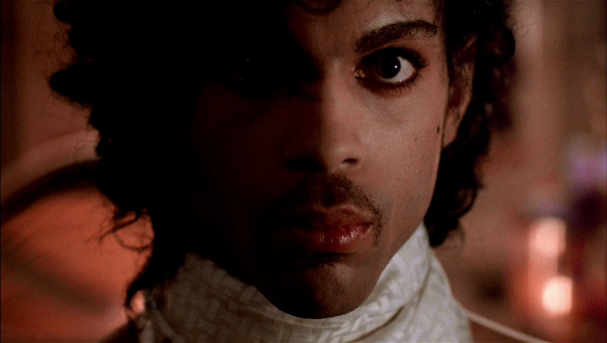 just some shots of Prince looking babely in PURPLE RAIN. you're welcome.