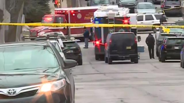 Multiple people have died, including the gunman, after a shooting at the Molson Coors complex in Milwaukee, the city's mayor says. Follow live updates: https://t.co/z03EuiaUXN https://t.co/EPwWzE0EEZ