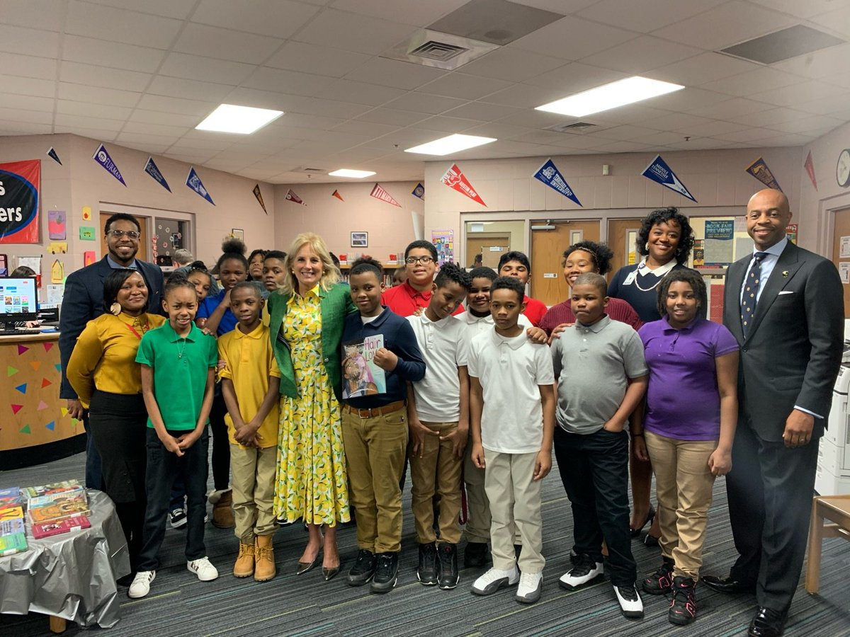 To my fellow educators at @JohnEarlyMMM, thank you for giving your students the confidence and skills they need to reach their full potential. Seeing all of the teachers in action today was so inspiring. #ReadAcrossAmericaDay