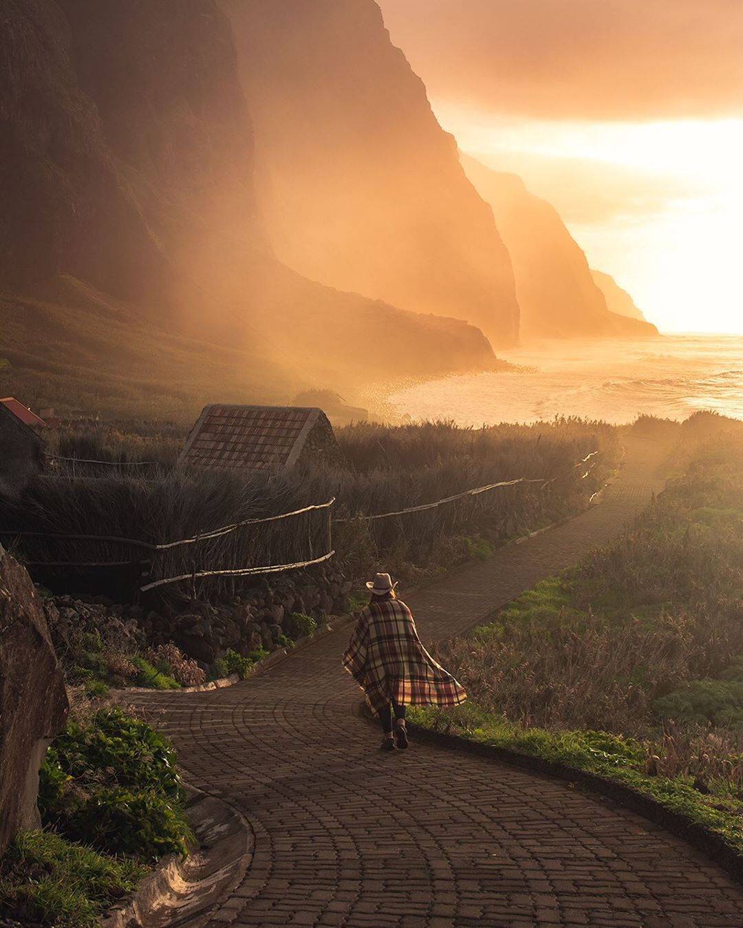 Madeira and its magical sunsets 🌅  Photo: @twofindaway  #Madeira #View https://t.co/6vj8ejuaeb