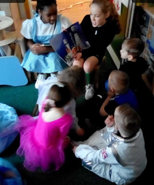 test Twitter Media - In our World Book Day assembly, we learned that sharing books with older and younger children was important and beneficial. Some Year 6 children came to Reception to share some books this afternoon 📖  #readingispower  #WBD2020 https://t.co/Ui37hgPigo