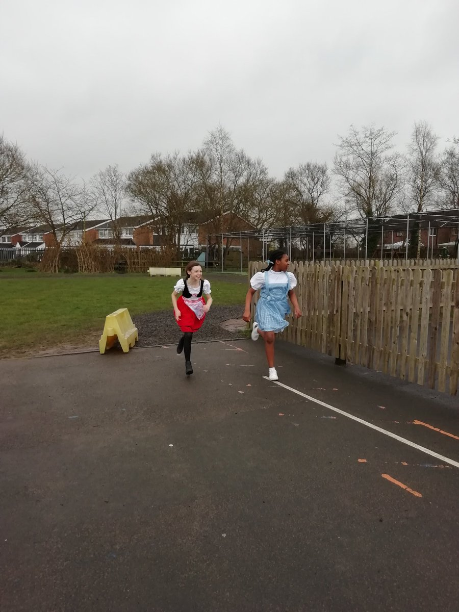 test Twitter Media - Y6 still did the daily mile. In their world book Day costumes.#WorldBookDay2020 https://t.co/Rgz9yEhnsH