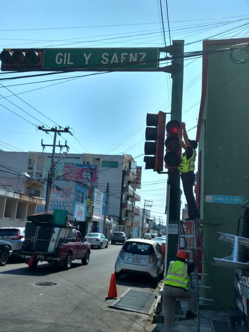 Esta mañana se restablecieron los semáforos de la esquina de Sánchez Magallanes con Gil y Sáenz que sufrieron fallas, ¡Agradezco a @GerardoMeche por su reporte! 👍