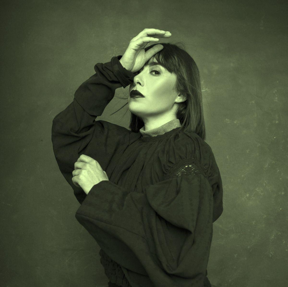 """test Twitter Media - La artista chilena Maler muestra atisbos de su nueva búsqueda musical con """"Mi Culpa"""", su más reciente single y videolyric 🎵. La canción es una pincelada de lo que será este año su nueva producción de estudio 💿. Escúchala aquí 🎤 -> https://t.co/sbTZQWQiaD https://t.co/FyK8AA2kQA"""