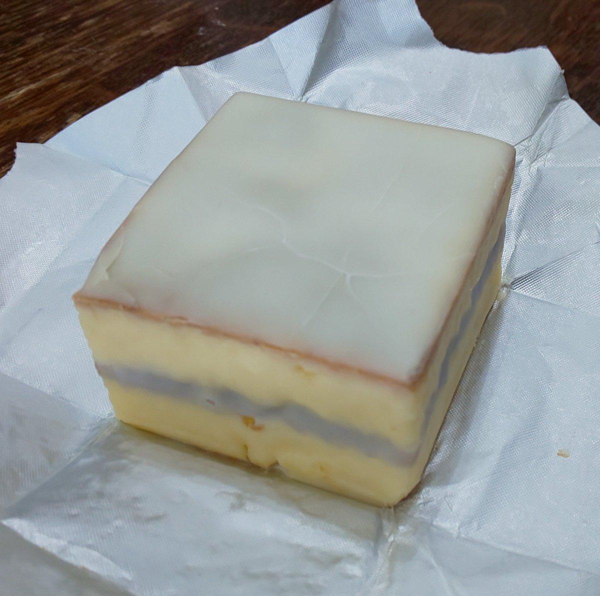 test ツイッターメディア - いただきものが重なってうれしいのが鈴屋のデラックスケーキ。レモンケーキも食べたいけれど…自力で買うか… https://t.co/l0sspIBLxm