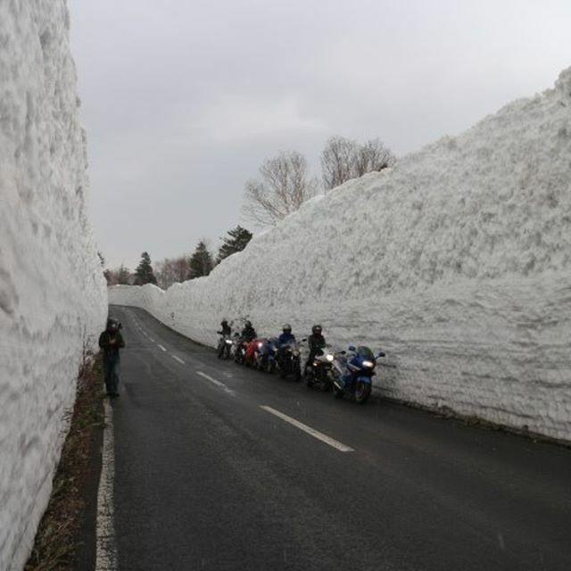 test ツイッターメディア - 4月から八甲田ゴールドラインが開通予定なので、4/5(日)にバイクで雪の回廊に行こうよ!朝9時半にウチに集合、10時出発でいかが?参加希望者はコメントなりメッセージなり、ヨロピク! https://t.co/tKH5mburzQ https://t.co/ZiZYZSG12Y