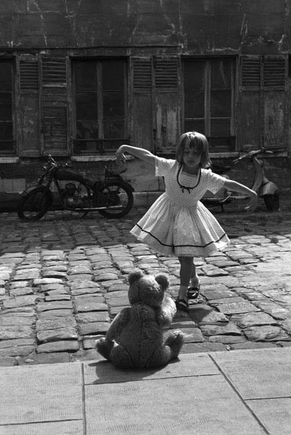 """""""Perfect audience"""",1961 Photo for Paris Match by Philippe le Tellier https://t.co/UmzUj26Ey4"""