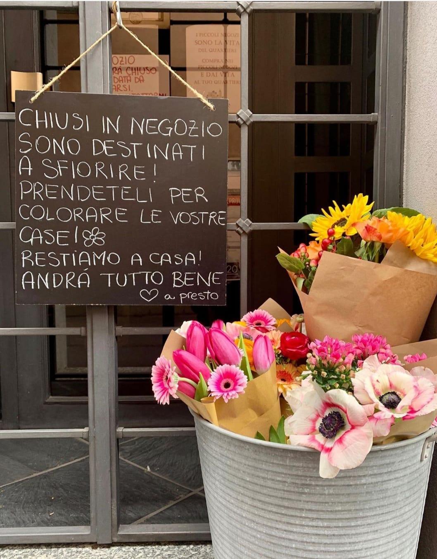 #leCose piccole  hanno l'aria di nulla  ma danno la pace.  Georges Bernanos 🖊  #Buongiorno #family di   #unTemaAlGiorno   @UnTemaAlGiorno 💛 https://t.co/06KeaQSVaW