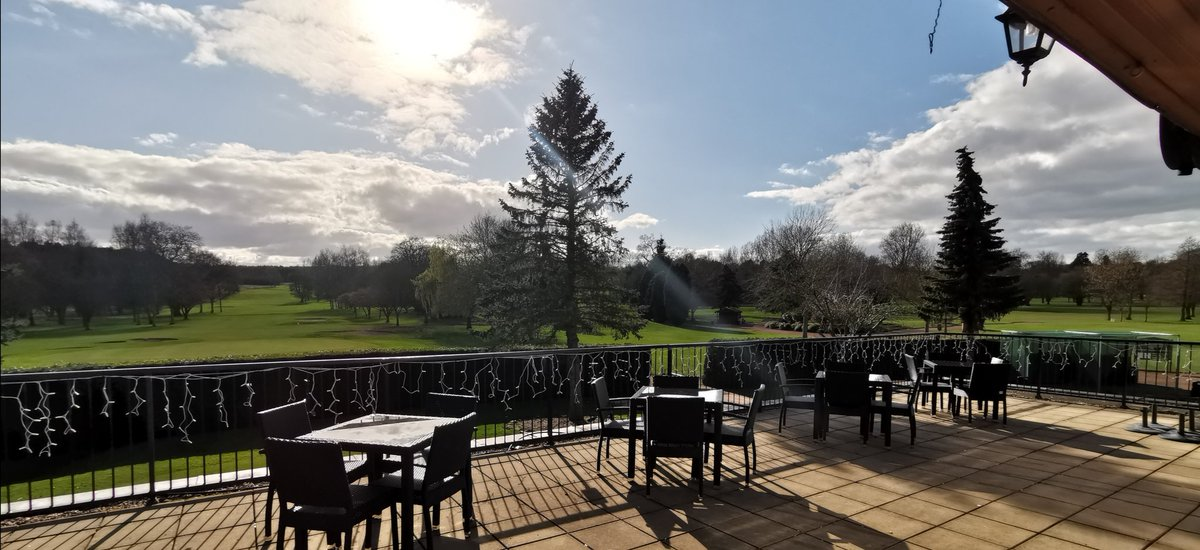 test Twitter Media - The golf course clearly is the best place to be right now.  Chef would like to say a huge thank you as he was outdoor catering @ halfway house. During these difficult times, it really is great people are using golf as a form of exercise and socialising (from a distance) @TheClub https://t.co/orsf0S27CK