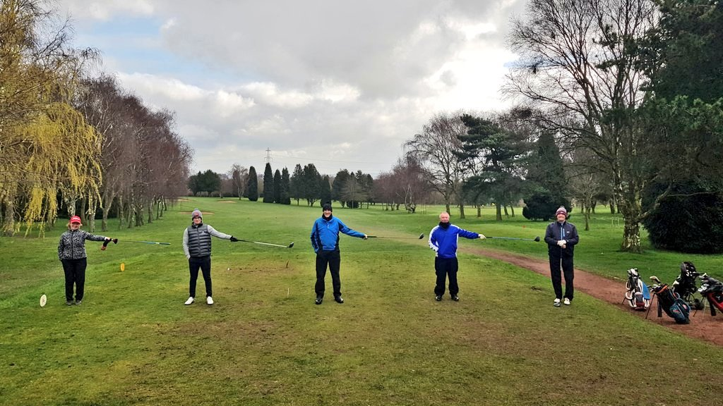 """test Twitter Media - #coronavirus update, nothing much changes - halfway house will be takeaway only. #SupportYourChef  Pro Shop & office remain open. #SupportYourPro  Please respect """"Social Distancing"""" shown by @MidlandsGolfer Basically if you can hit someone with a club you are too close. @TheClub https://t.co/E0sIk6qqvY"""