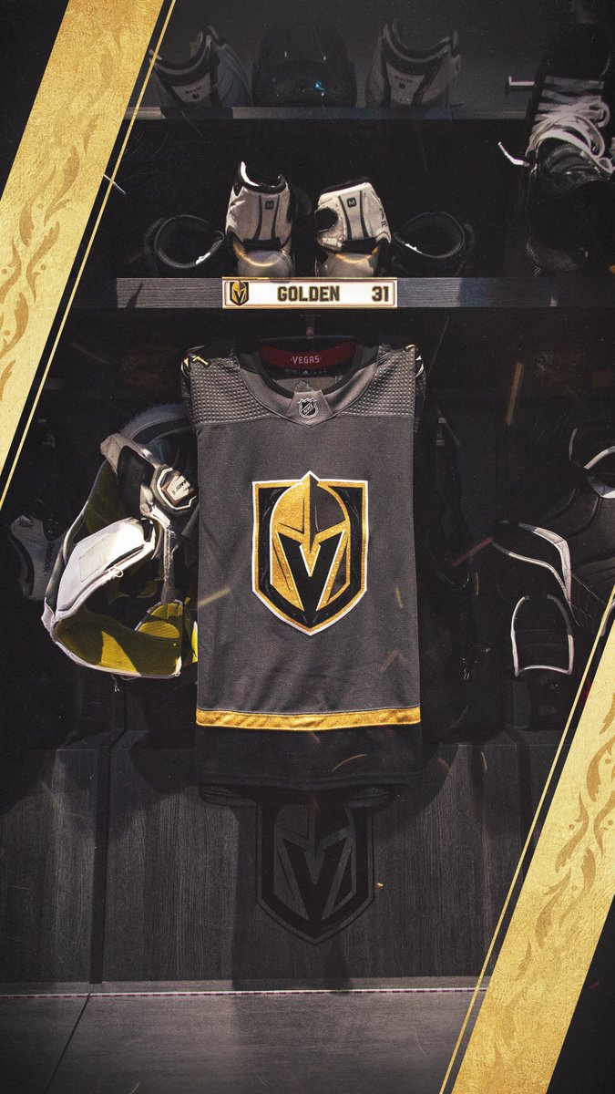 Is your phone due for a makeover?  We'll be making custom locker stall wallpapers for the next hour! 🤳  Just reply to this tweet with your name (under 12 characters plz!), number, and home/away jersey