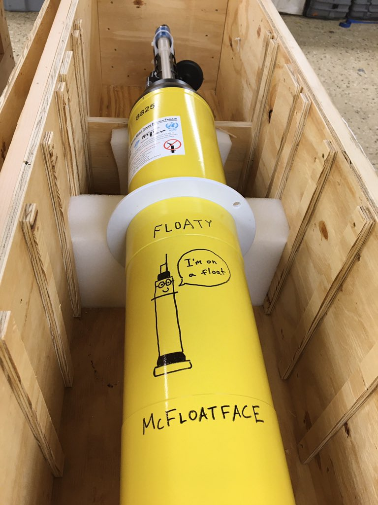 A few years ago (back in February) our colleagues @MBARI_News asked us to name a @SOCCOMProject float that was about to be deployed in the Southern Ocean, as part of a float-illa studying the effects of climate change in this critical region.  Introducing: Floaty McFloatface!