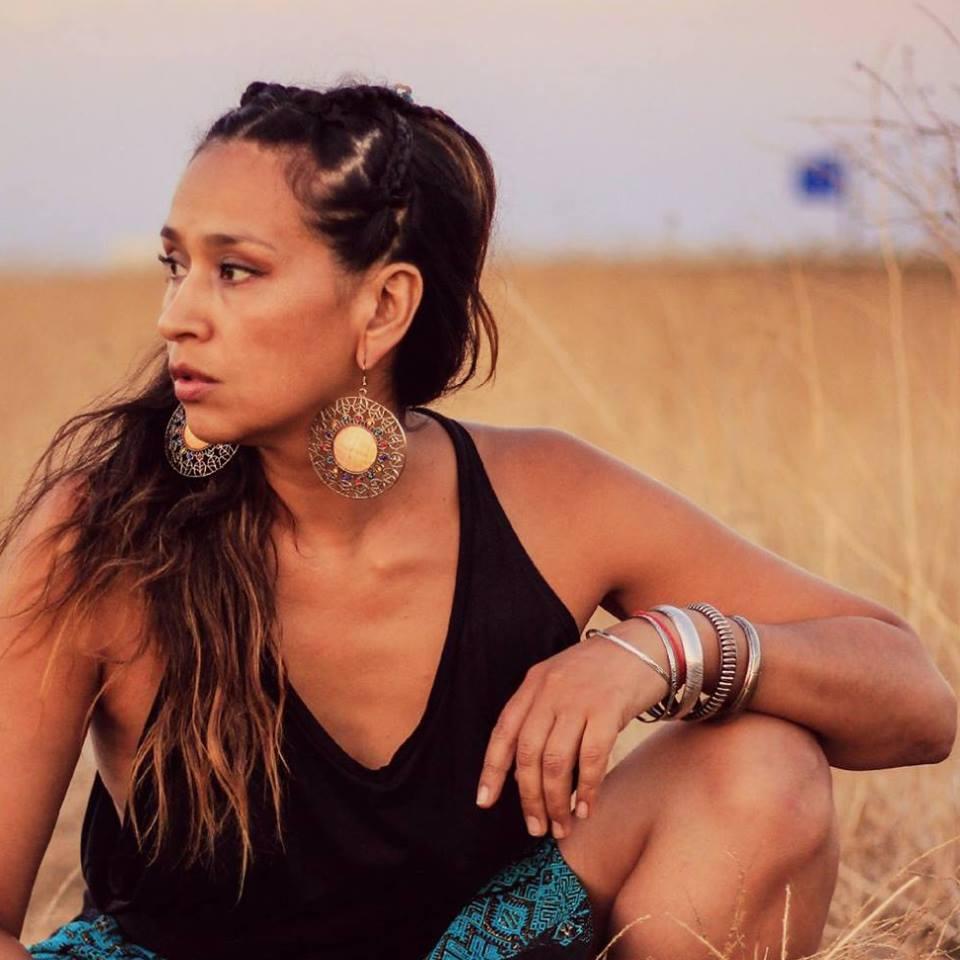 """test Twitter Media - Carmen Lienqueo nos habló de su nueva etapa solista en #ViajeSinRumbo🚀. La cantante y compositora de gran experiencia en la música publicó """"Canto para siempre"""" 💿, disco donde conjuga la raíz folclórica y la experimentación electrónica 🎶 -> https://t.co/Df6rvVO7uw https://t.co/rtWAtAvUGu"""